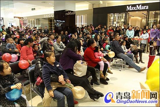 推荐信息 > 正文  2011年12月23日晚,海信广场一层中庭内充满了浓浓的