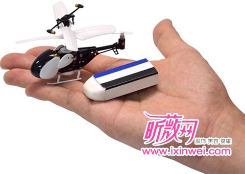 世界上最小遥控直升飞机-青岛新闻网