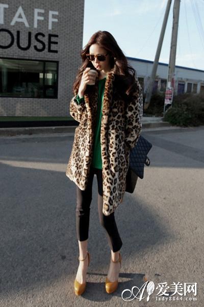 豹纹皮草外套_皮草外套巧搭配时尚大气 打造冬日新格调 - 青岛新闻网