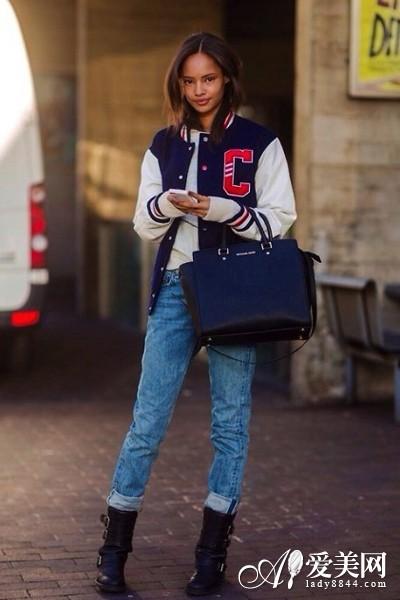 棒球外套+皮革马丁短靴